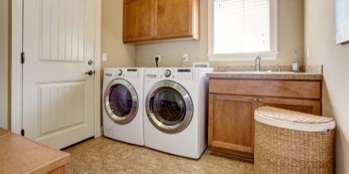 dryer to dry clothes